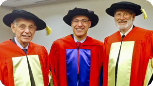 James Hogg (Meakins alumnus) and Jonathan Meakins (whose grandfather lent his name to the MCL), shown with David Eidelman, received honorary degrees from McGill on March 27, 2015