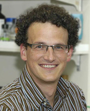 photo of simon rousseau: research on intracellular signaling in cancer, lung inflammation, cystic fibrosis
